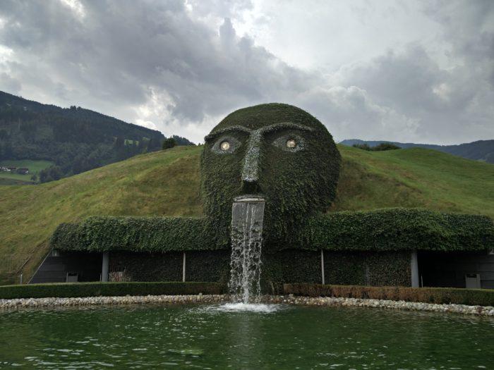 Skulptur in den Swarovski Kristallwelten