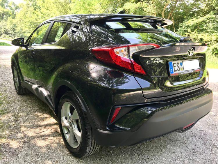 Toyota C-HR in Schwarz